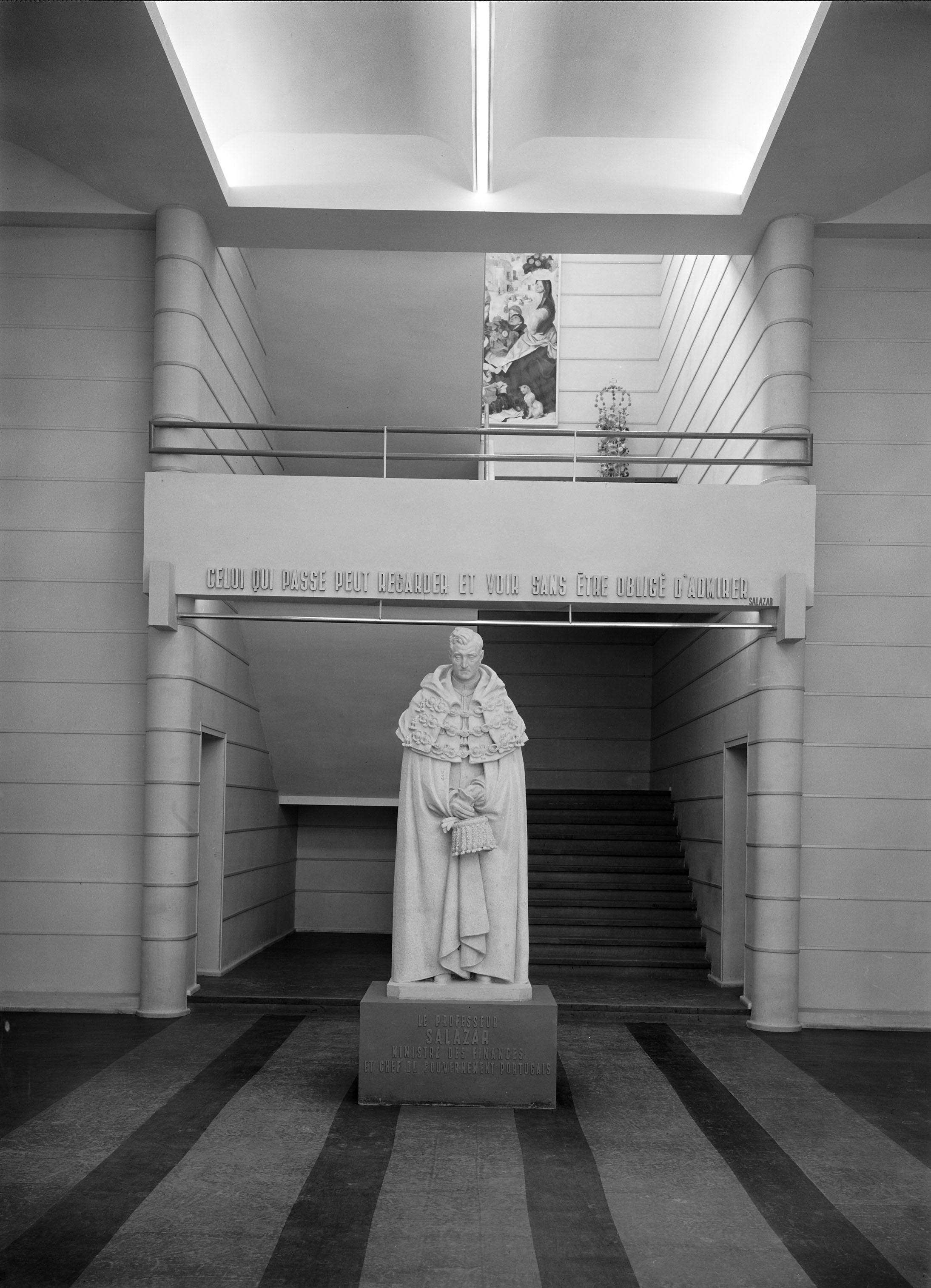 Later, the statue stood at the entrance of theLiceu Salazar, Mozambique's first high school, but was recently abandoned to a corner of theMozambique national library'scourtyard.  Photo: Mário Novais, 1937, Paris  Biblioteca de Arte da Fundação Calouste Gulbenkian [CFT003_103078]