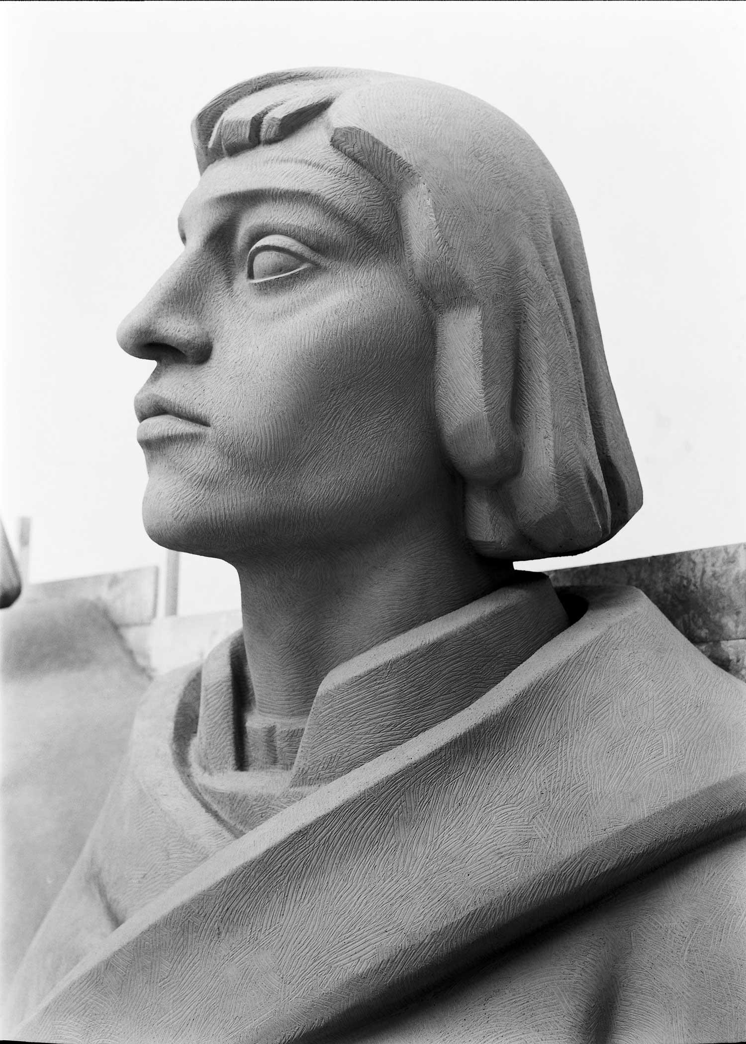 BUILDING THE MONUMENT TO THE DISCOVERIES  Photo: Horácio Novais, ca. 1938-1939, Lisbon  Biblioteca de Arte da Fundação Calouste Gulbenkian [CFT164_102173]