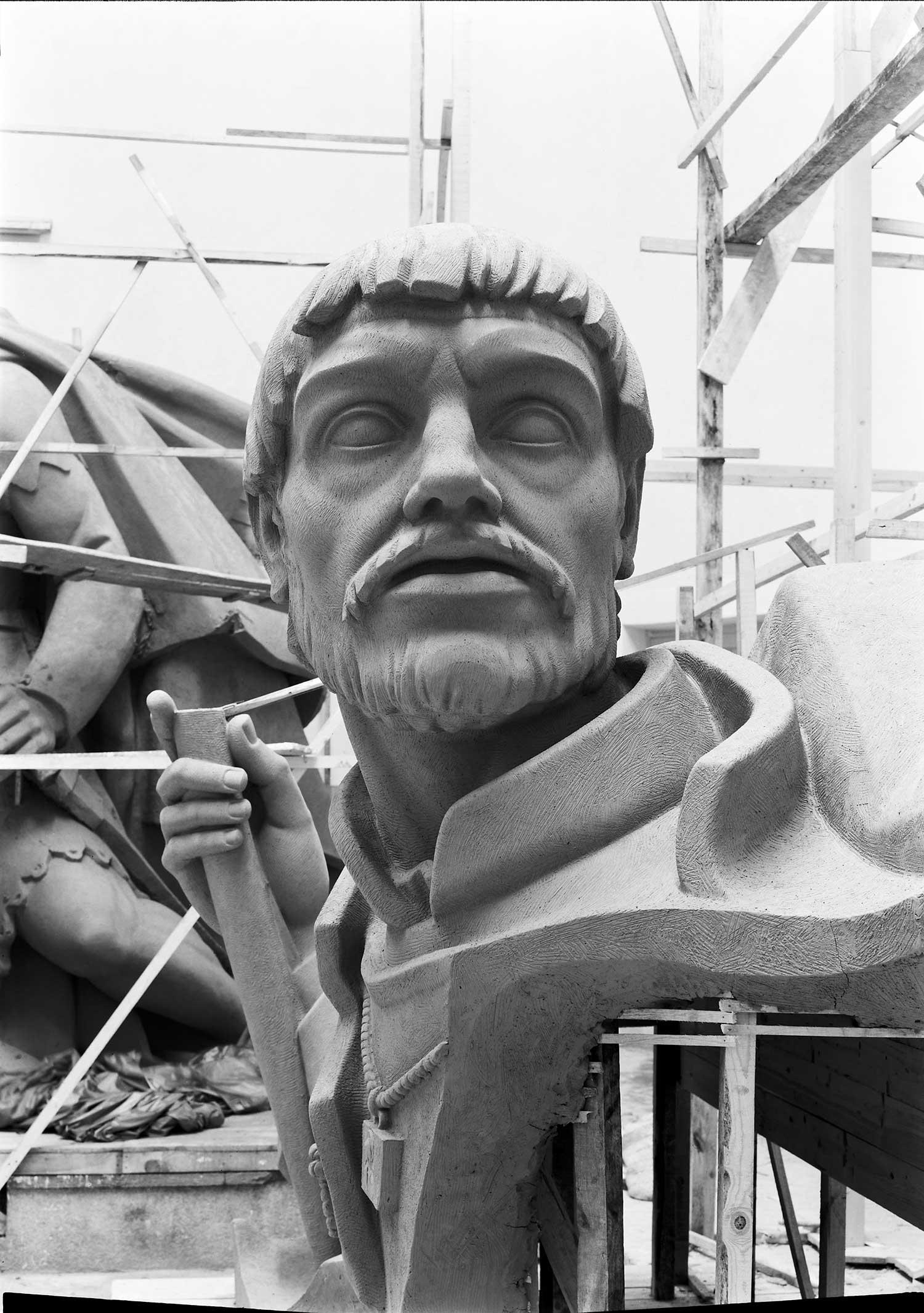 BUILDING THE MONUMENT OF DISCOVERIES  Photo: Horácio Novais, ca. 1938-1939, Lisbon  Biblioteca de Arte da Fundação Calouste Gulbenkian [CFT164_044093]