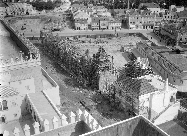 Photo: Estúdio Horácio Novais, ca. 1930-40, Lisbon  Biblioteca de Arte da Fundação Calouste Gulbenkian [CFT164_102171]