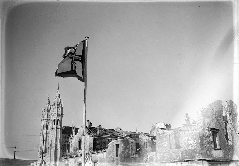 Photo: Estúdio Horácio Novais, ca. 1930-40, Lisbon  Biblioteca de Arte da Fundação Calouste Gulbenkian [CFT164_02656]