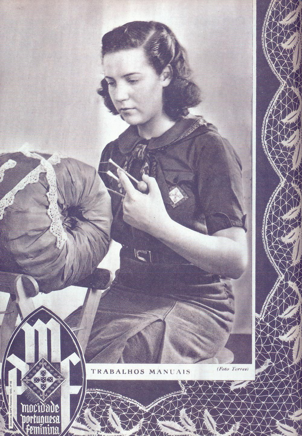 Uniformed member on the cover of the February 1949 issue of  Mocidade Portuguesa Feminina  .