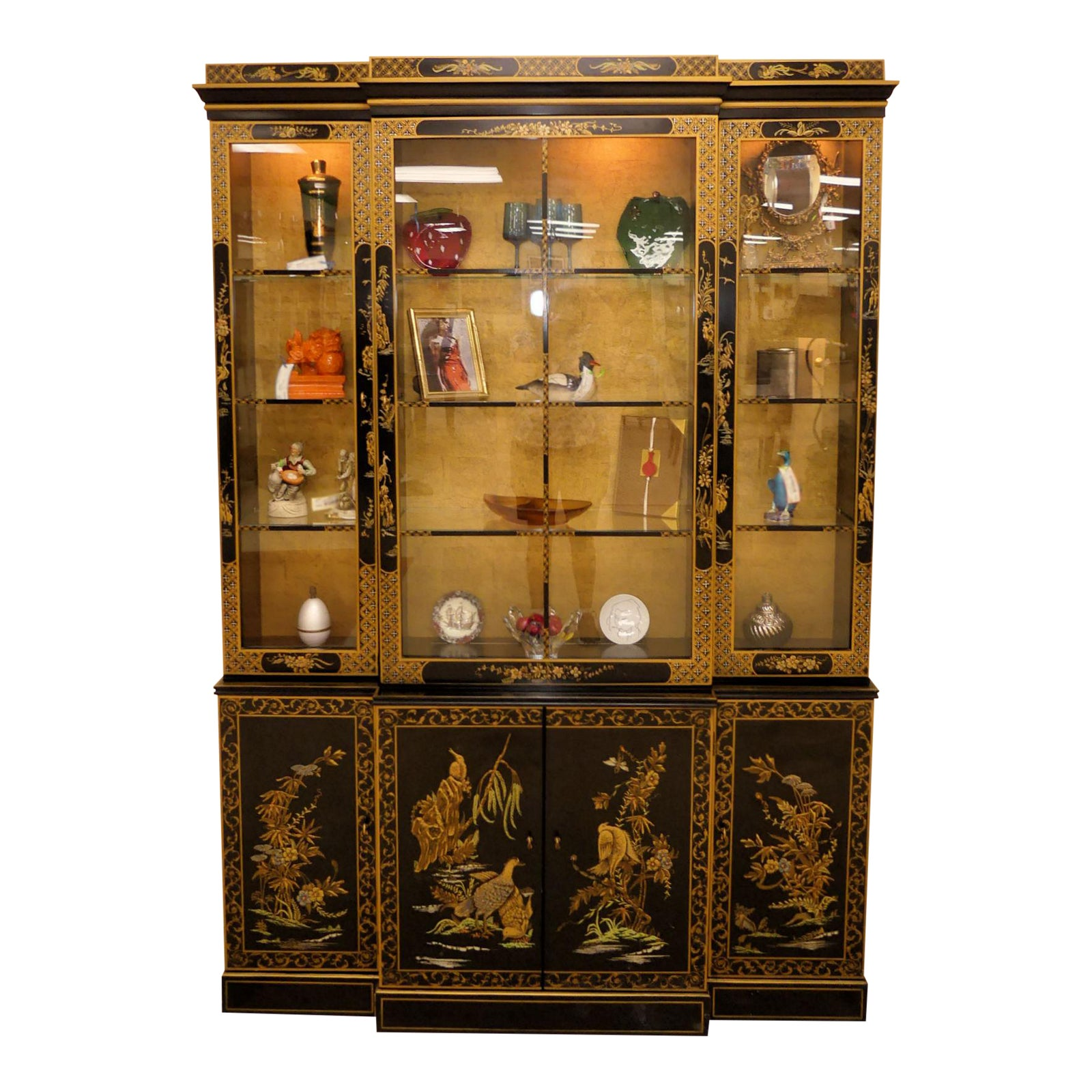 Drexel Asian Chinoiserie Lighted China Cabinet