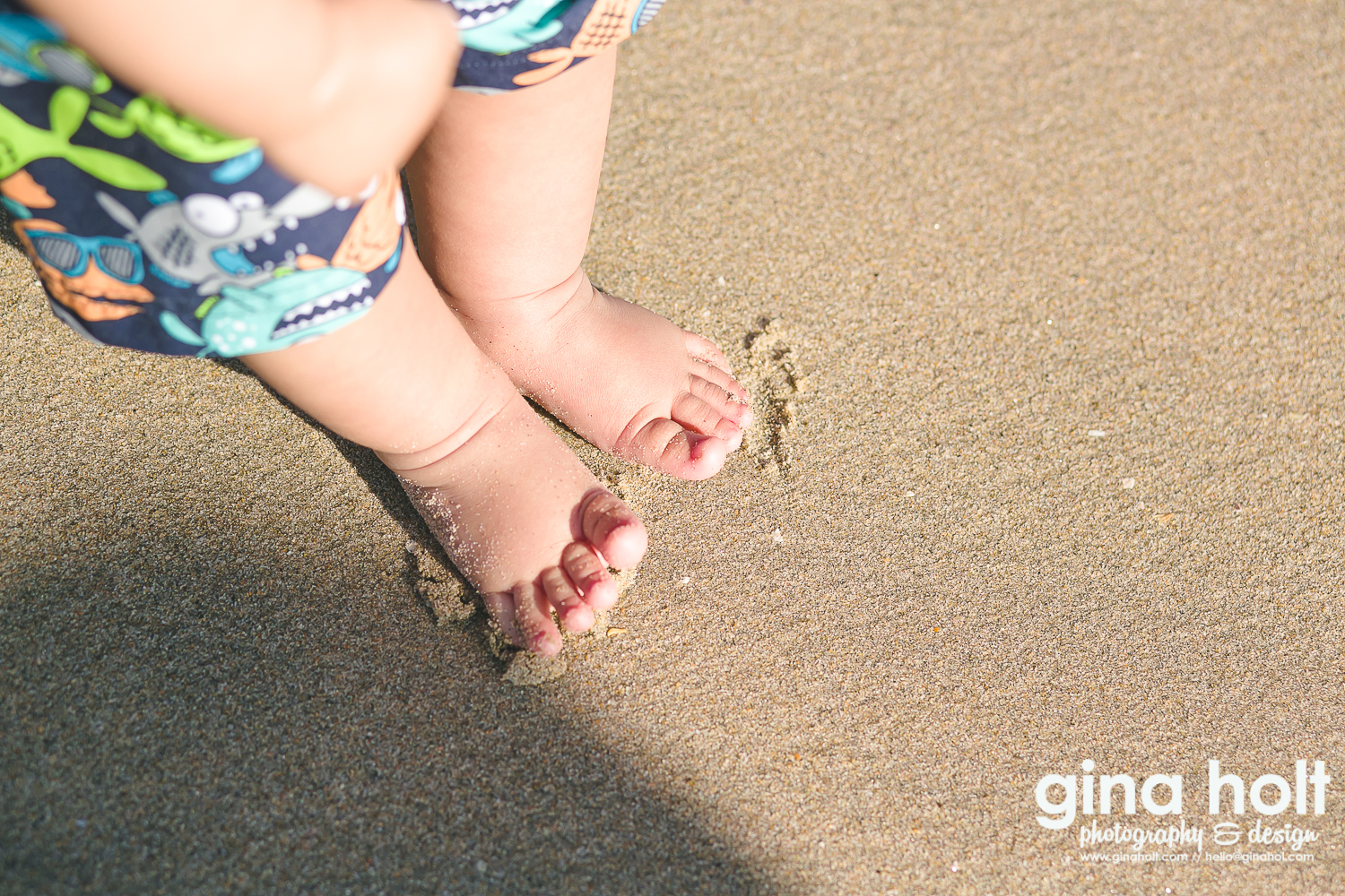 First Beach Visit, Huntington Beach, Pier 15, Baby's First, Milestones, Los Angeles Family Photos, Orange COurnty Family Pictures, at the beach, Dominic, 5 months