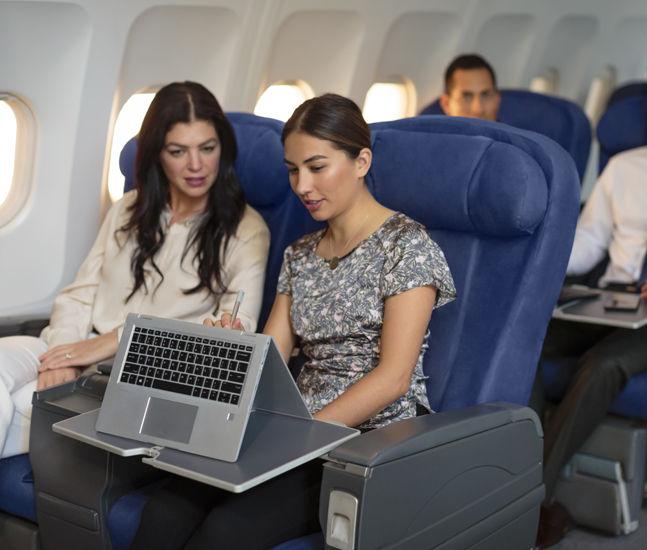 HP_EliteBook_x360_Lifestyle_Airplane_tcm245_2383832_tcm245_2384086_tcm245-2383832.jpg