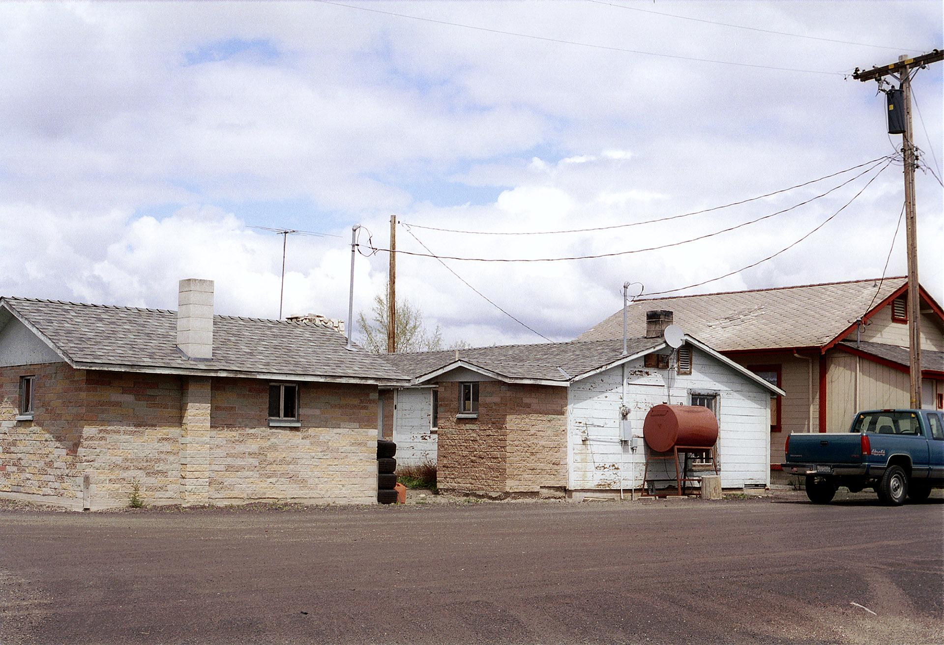 spr041009_houses_tulelake.jpg