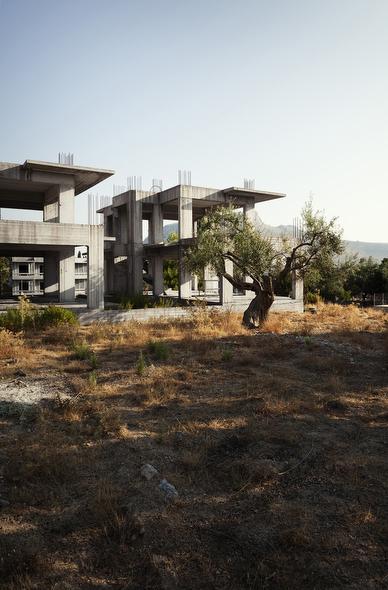 Prjkt Dump_1_Patrick van Dam_modern Greek ruins_1.jpeg