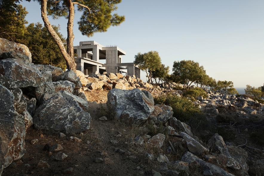 Prjkt Dump_1_Patrick van Dam_Modern Greek Ruins_4.jpeg