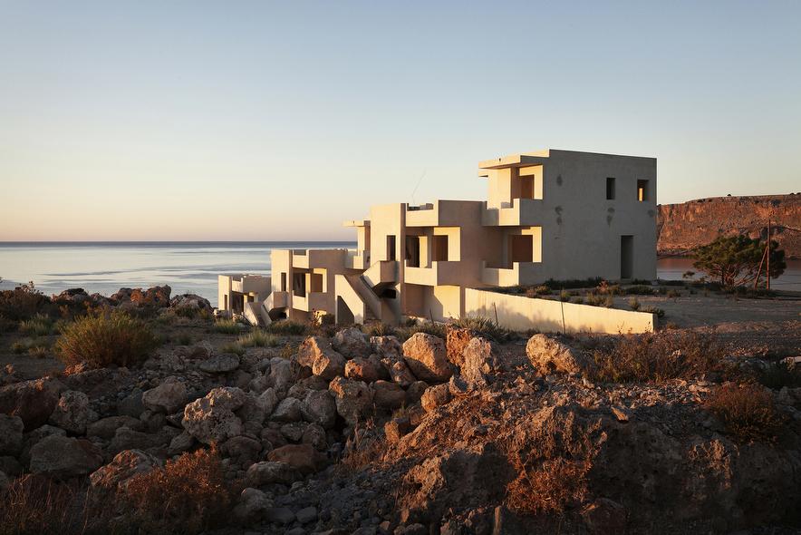 Prjkt Dump_1_Patrick van Dam_Modern Greek Ruins_2.jpeg