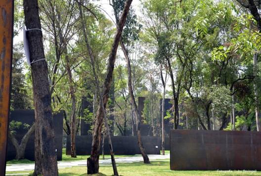 Prjkt Dump_10_Gaeta-Springall Arquitectos_Monument to Victims of Violence_1.jpeg