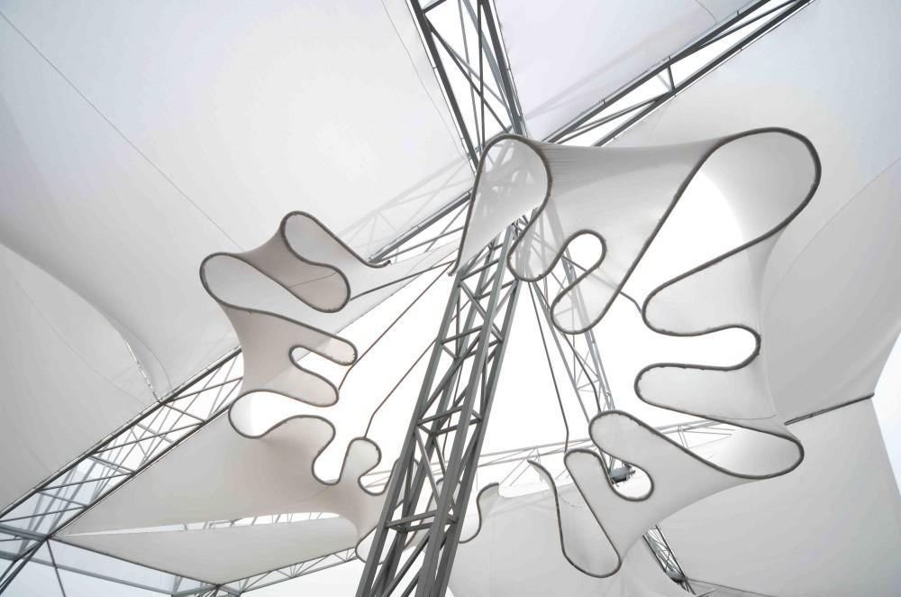 Oyler Wu Collaborative. Stormcloud.2013.   (deet showing the [in]effectiveness of the eccentricities.)