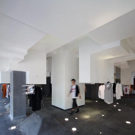 D2C-concept-store-by-3Gatti-Architecture-Studio_dezeen_22.jpeg