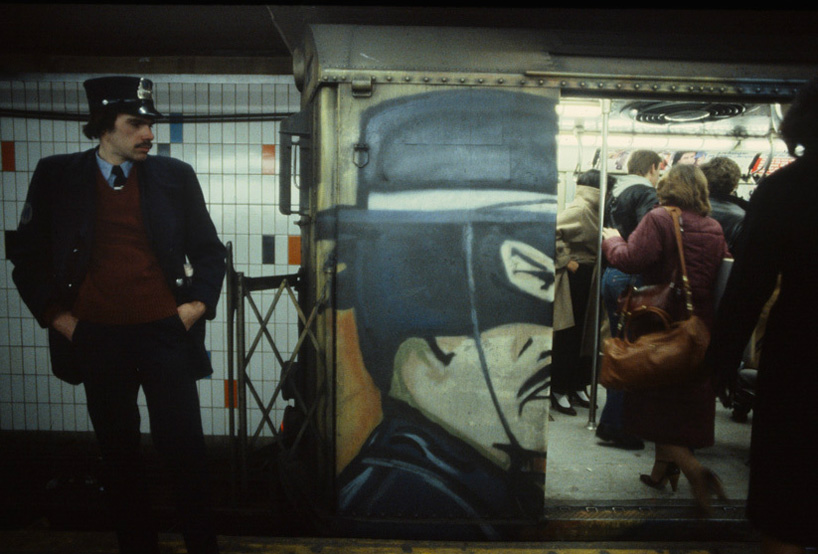 christopher-morris-photographs-the-gritty-nyc-subway-in-1981-designboom-10.jpeg