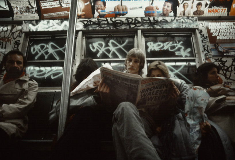christopher-morris-photographs-the-gritty-nyc-subway-in-1981-designboom-12.jpeg