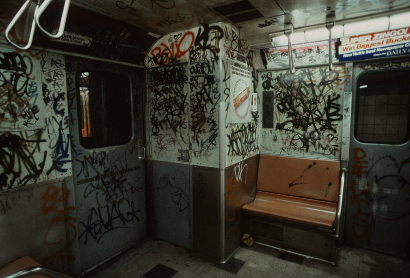 christopher-morris-photographs-the-gritty-nyc-subway-in-1981-designboom-16.jpeg