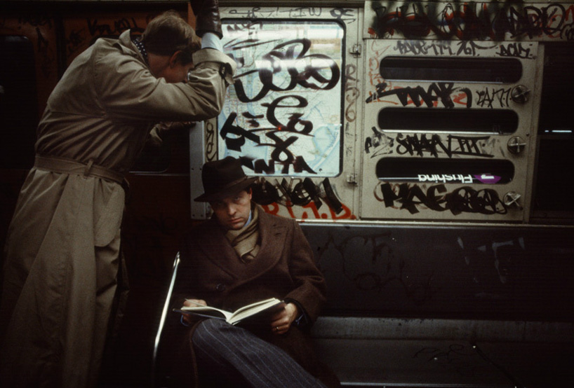 christopher-morris-photographs-the-gritty-NYC-subway-in-1981-designboom-05.jpeg