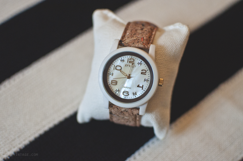 sprout+watch+lune+vintage+review+2+sm.png
