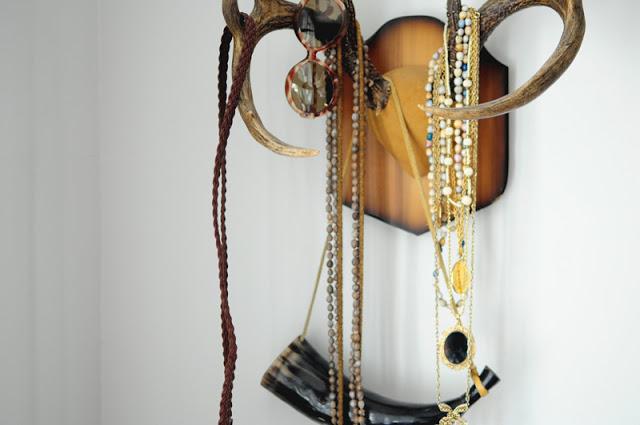 antler+jewelry+rack.jpg