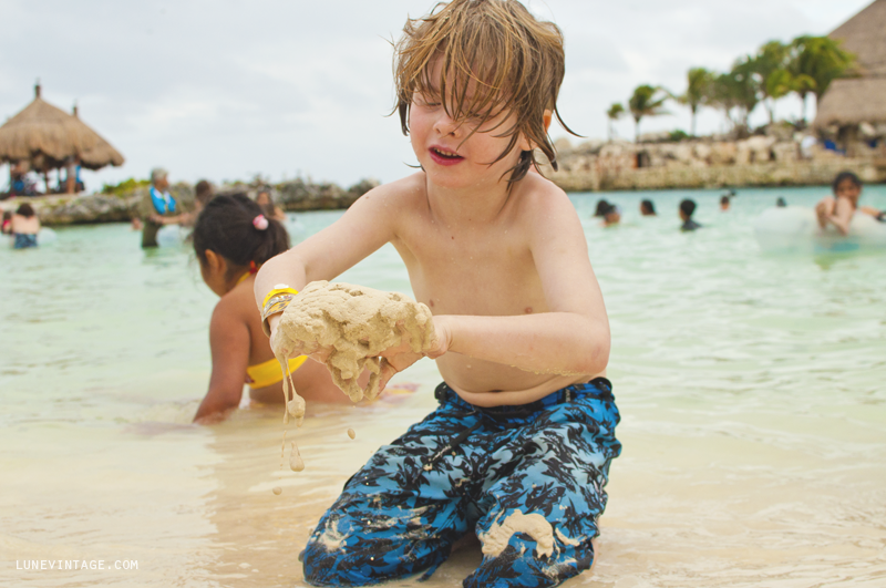 Beach+Mexico+Playa+Lune+Kids+-+Xcaret+5.png