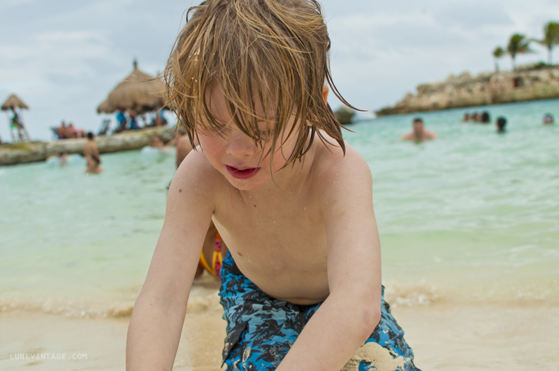 Beach+Mexico+Playa+Lune+Kids+-+Xcaret.png