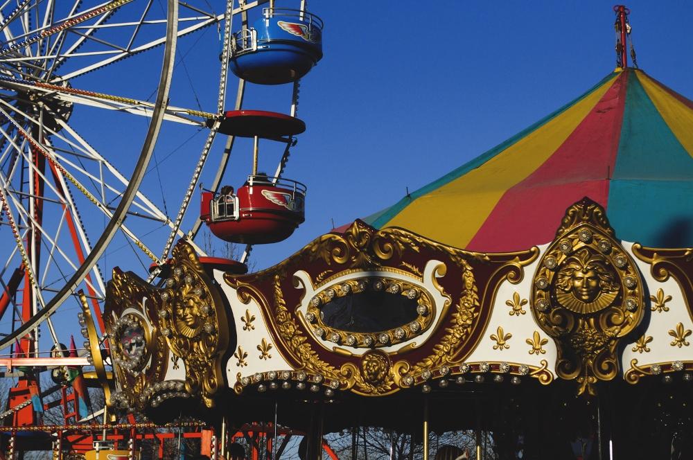 at the carnival lune vintage blog 2 (1000x664).jpg