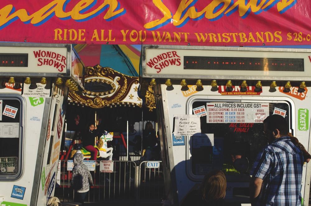 at the carnival lune vintage blog 4 (1000x664).jpg