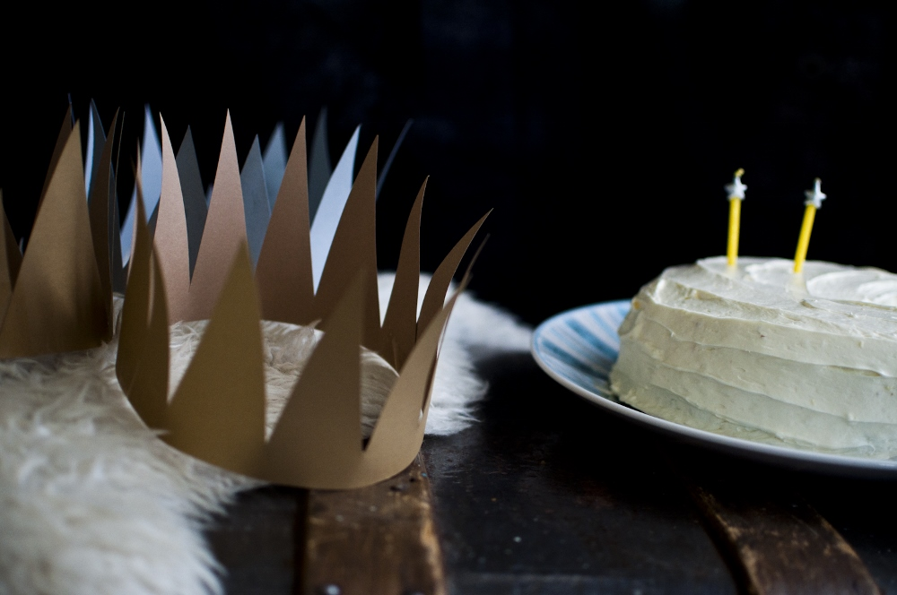 paper moon party - moon crowns lune blog.jpg