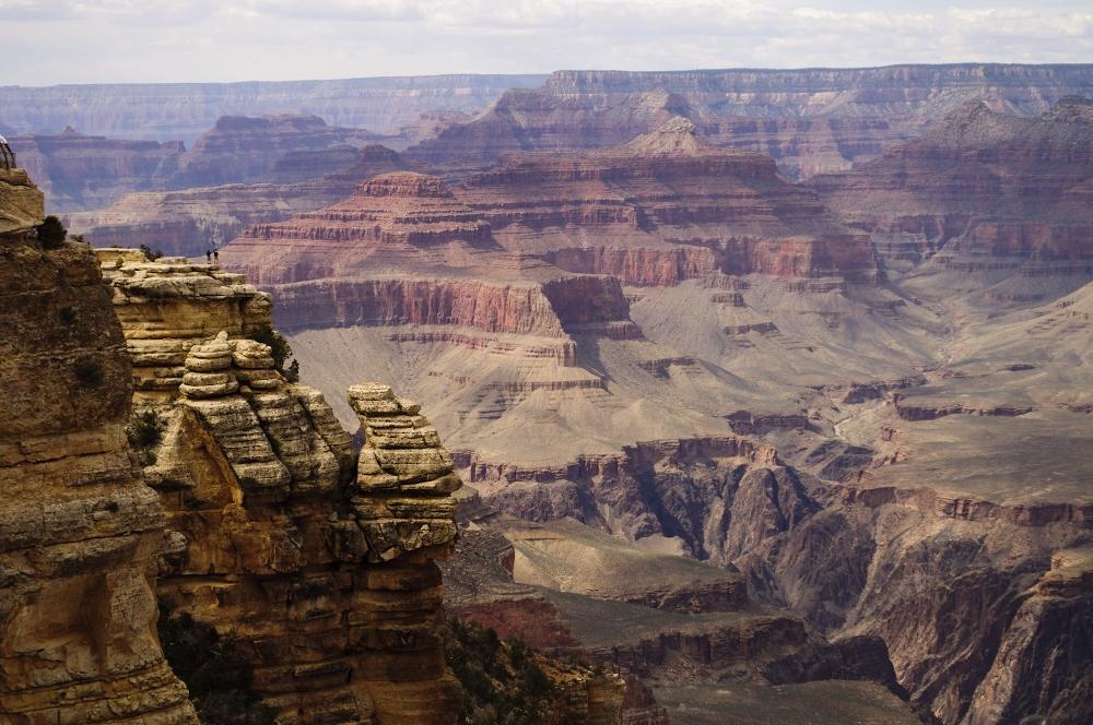 grand canyon south rim 2 (1000x664).jpg
