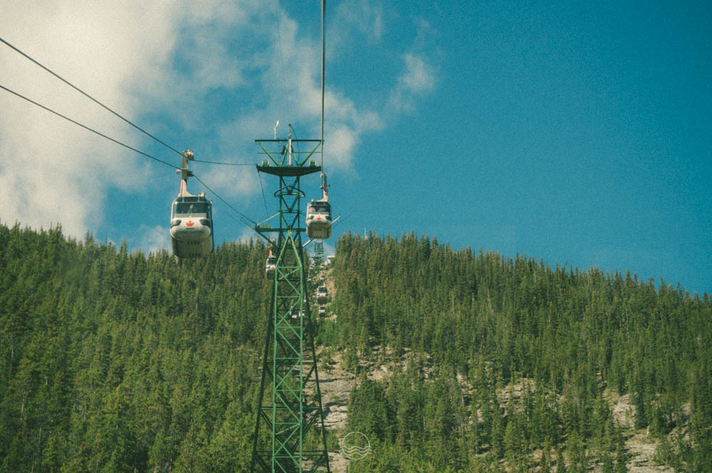 sulphur mountain gondola banff lune blog-11.jpg