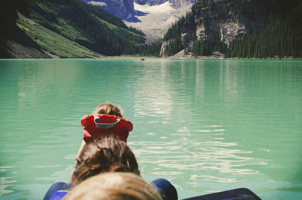 lake louise canoe lune vintage blog-6.jpg