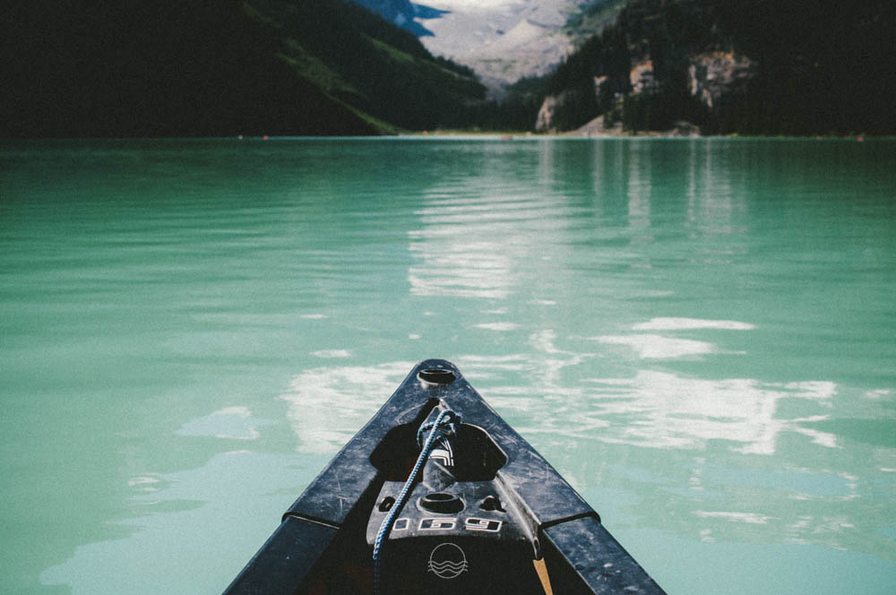 lake louise canoe lune vintage blog-10.jpg