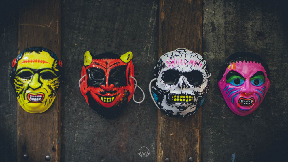 vintage halloween masks lune blog-1.jpg