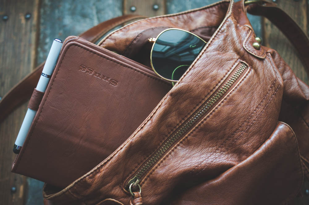 lune blog review ipad leather mini travel case by snugg (3 of 5).jpg