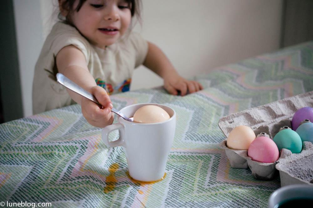 pastel easter egg dying lune blog (4 of 5).jpg