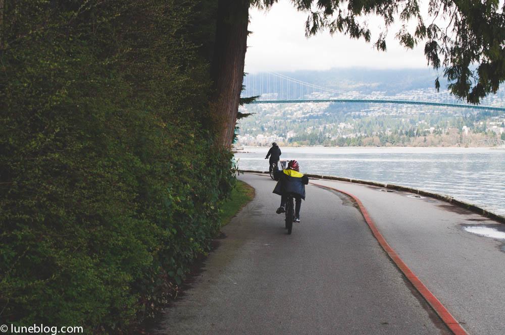 vancouver stanley park sea wall bike ride lune blog (7 of 26).jpg