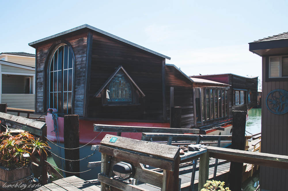 houseboats of sausalito sanfransisco lune travels blog (8 of 31).jpg