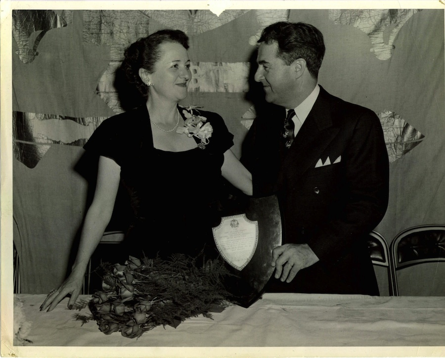 Dewey and Anne Stone at Hampshire House in Boston in 1943. Credit: American Jewish Historical Society, New England Archives.