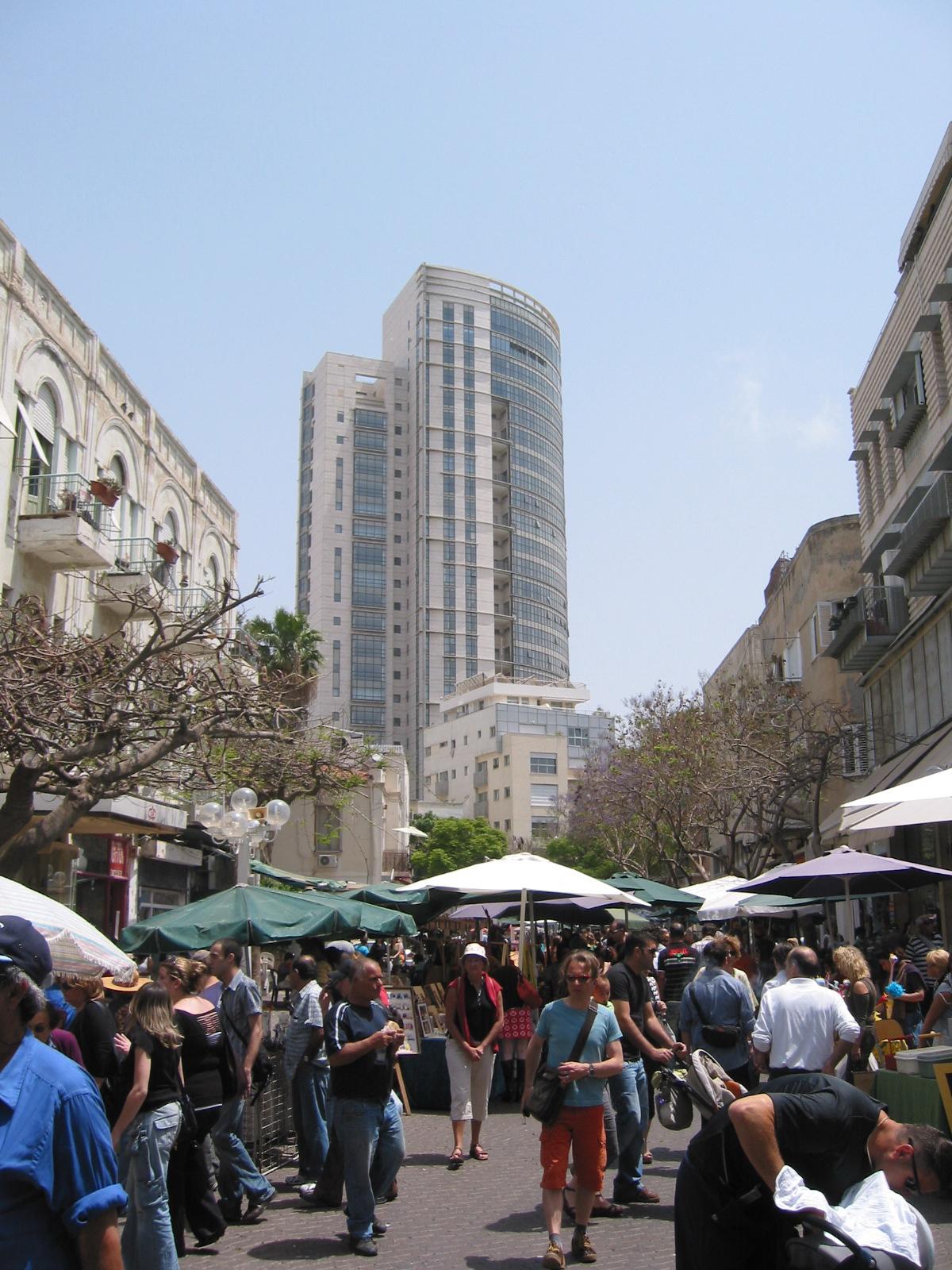 Click photo to download. Caption: Nahalat Binyamin Street in Ron Huldai's city, Tel Aviv. Credit: Sambach/Wikimedia Commons.