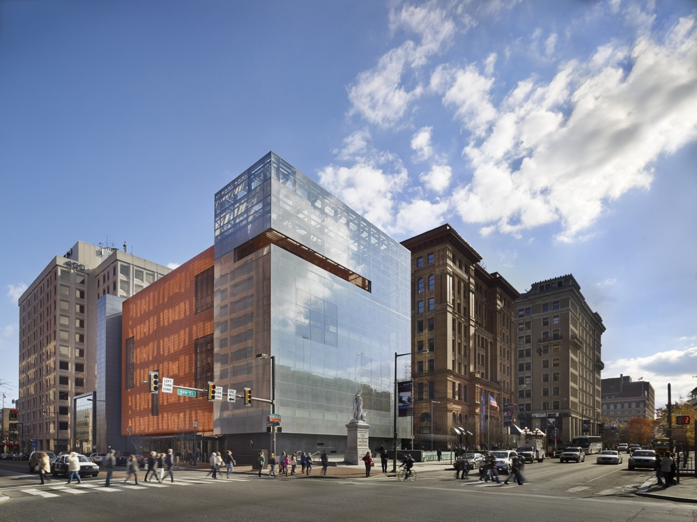 """Click photo to download. Caption: The National Museum of American Jewish History's building for the past year. Facing Independence Mall in Philadelphia is a glass prism, expressing """"the openness of America as well as the perennial fragility of democracy,"""" according to the museum. Credit: Barry Halkin/Halkin Photography."""
