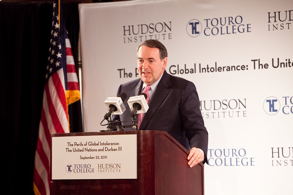 """Click photo to download. Caption: Former Arkansas governor Mike Huckabee speaks at the """"Perils of Global Intolerance"""" conference that countered Durban III on Sept. 22 in New York. Credit: Enrique Cubillo/85 Photo Productions, Inc."""