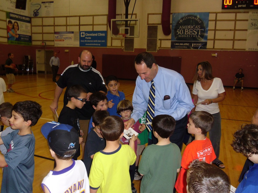 Click photo to download. Caption: Tal Brody meets with students during a recent visit to the Meyer Jewish Academy in West Palm Beach, Florida. Credit: Consulate General of Israel to Florida & Puerto Rico.