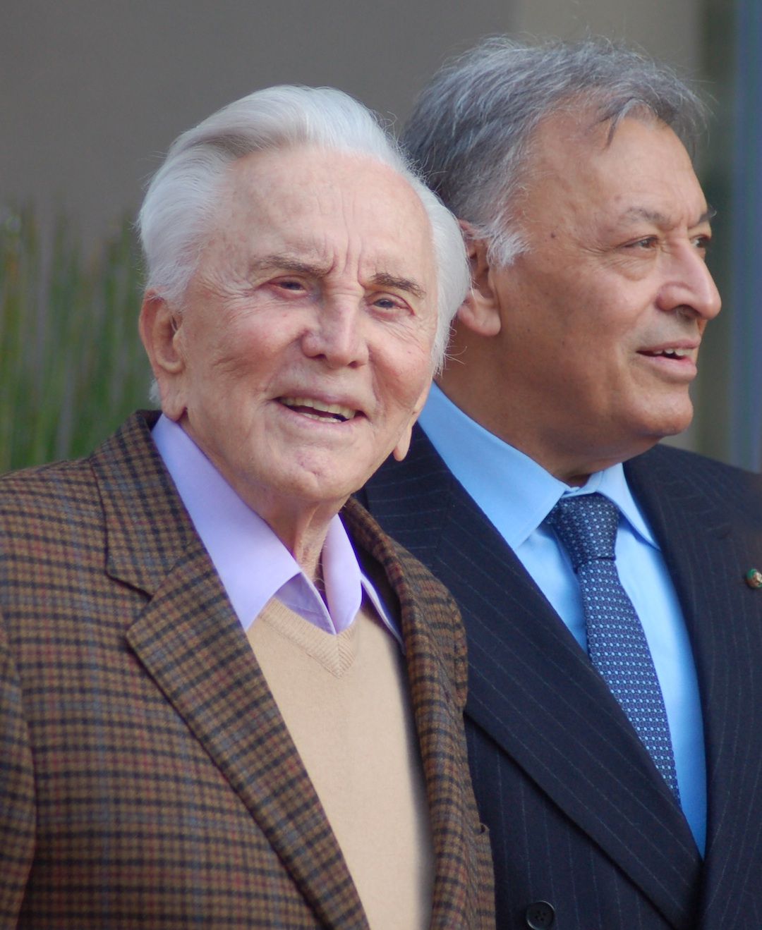 Kirk Douglas with Zubin Mehta, director of the Israel Philharmonic Orchestra, in March 2011. Credit: Angela George.