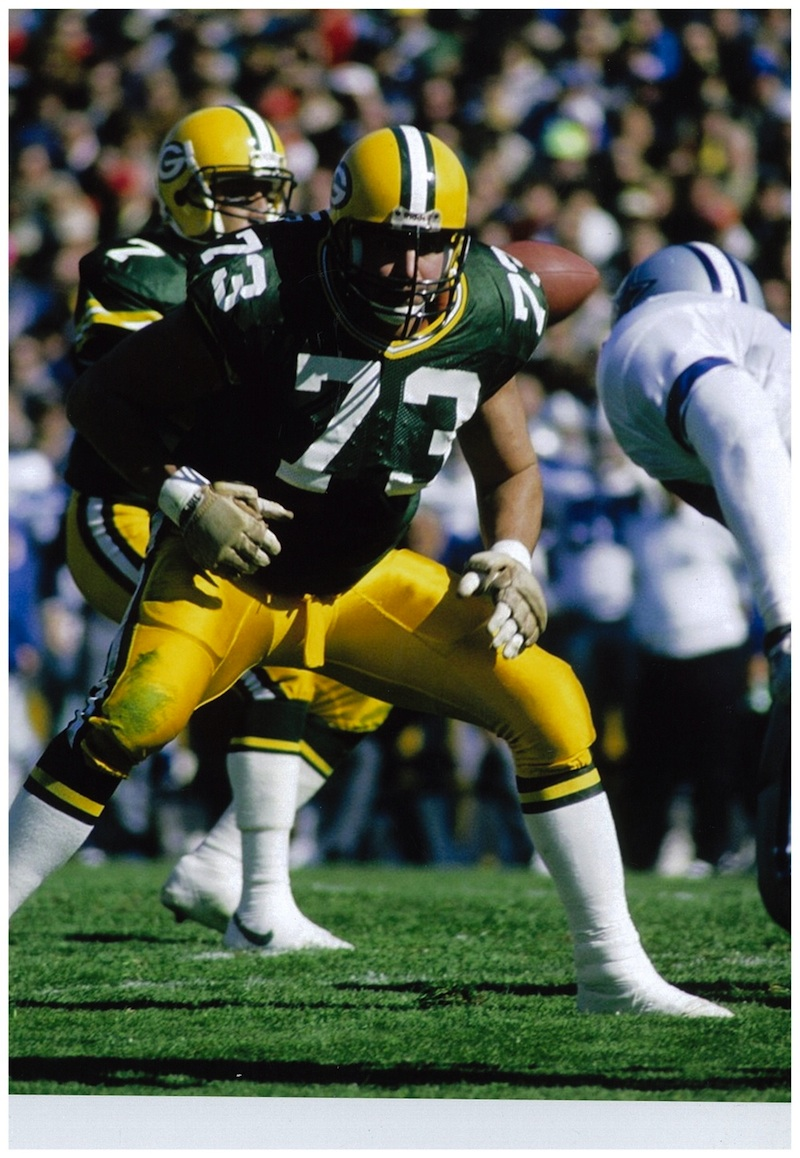 """Click photo to download. Caption: Offensive lineman Alan Veingrad, pictured here as a member of the Green Bay Packers, won a Super Bowl with the Dallas Cowboys in 1993. He now goes by the name """"Shlomo"""" and is part of the Chabad-Lubavitch Hassidic movement. Credit: Courtesy Alan """"Shlomo"""" Veingrad."""