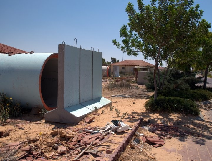 Click photo to download. Caption: A sewer pipe bomb shelter in the farming village of Yevul, alongside the Gaza Strip. Credit: B. Davidson.