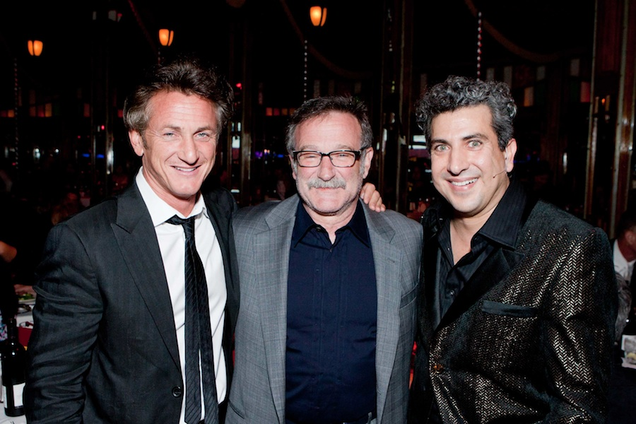 Click photo to download. Credit: Sean Penn, Robin Williams, and Frank Ferrante. Credit: Drew Altizer.