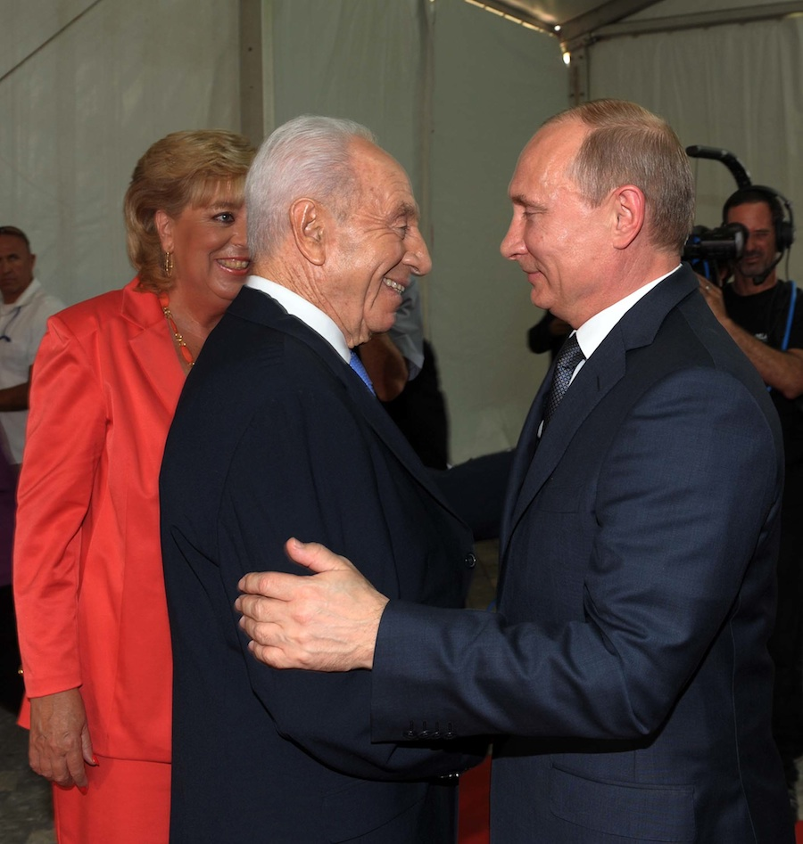 Click photo to download. Caption: Israeli President Shimon Peres and Russian President Vladimir Putin meet on Monday in Netanya, Israel. Credit: GPO.