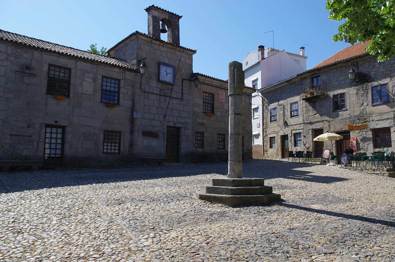 Click photo to download. Caption: The center of town in Belmonte, Portugal, one of the centers of the Crypto-Jews and today home of active synagogue as well as museum dedicated to citizens of the town who were murdered during the Spanish Inquisition. Credit: Ken & Nyetta/Wikimedia Commons.