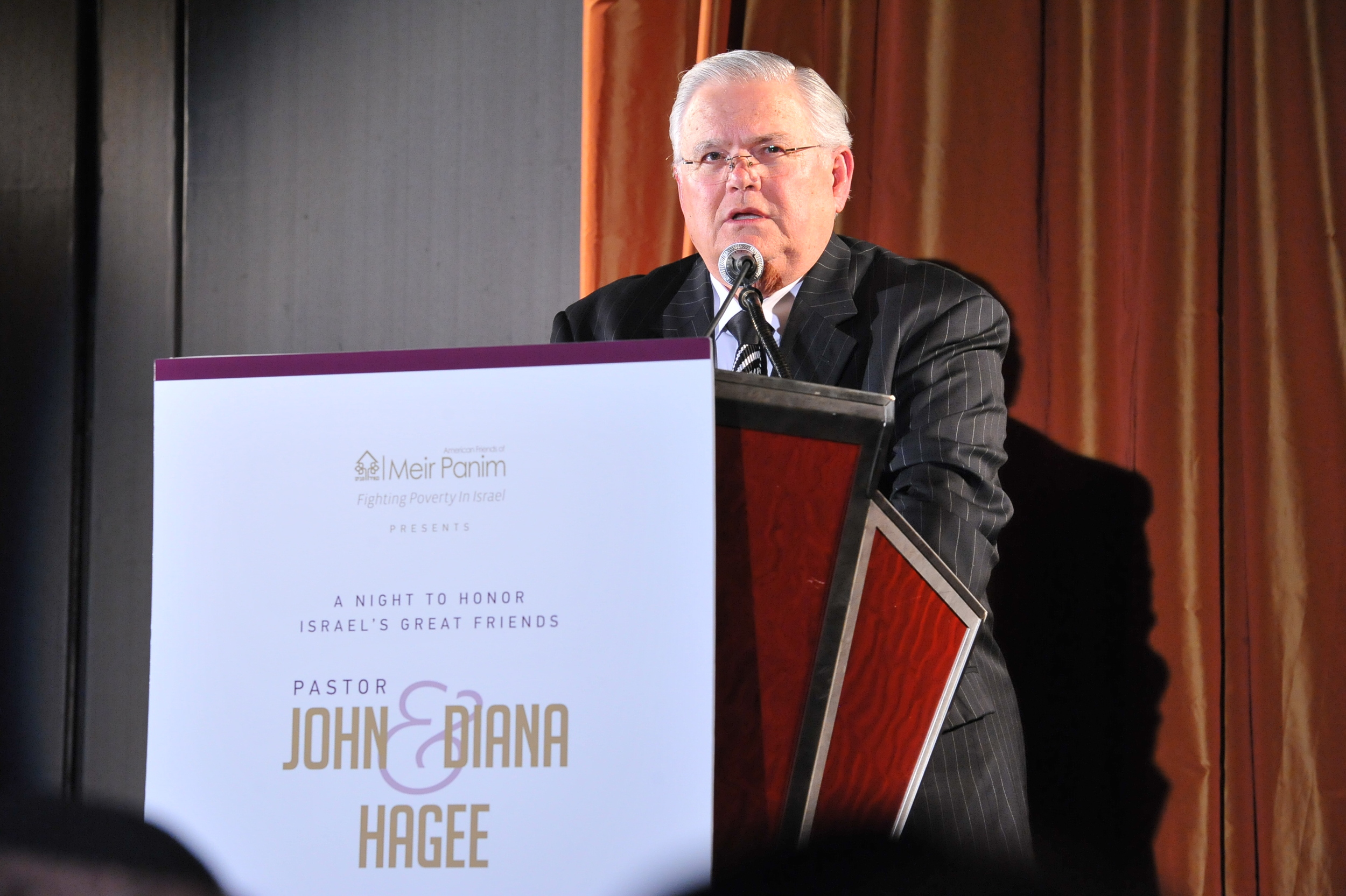 Click photo to download. Caption: CUFI founder Pastor John Hagee speaks at a dinner in his honor on Nov. 7 in New York. Credit: CUFI.