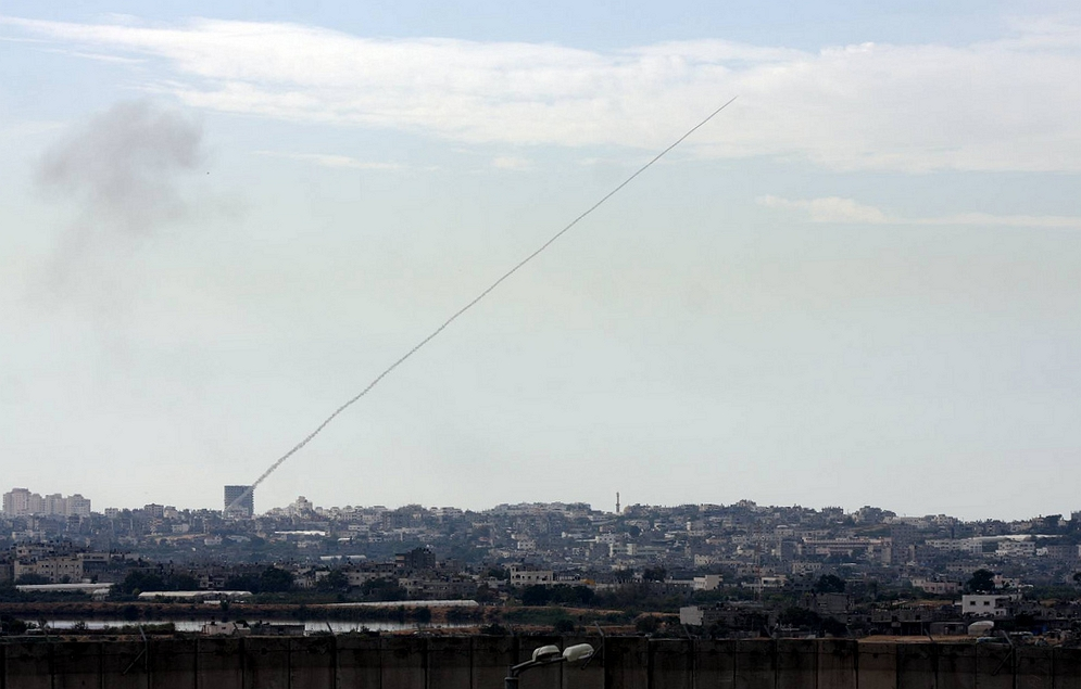 A rocket fired from Gaza towards Israel in 2008. Credit: Wikimedia Commons.
