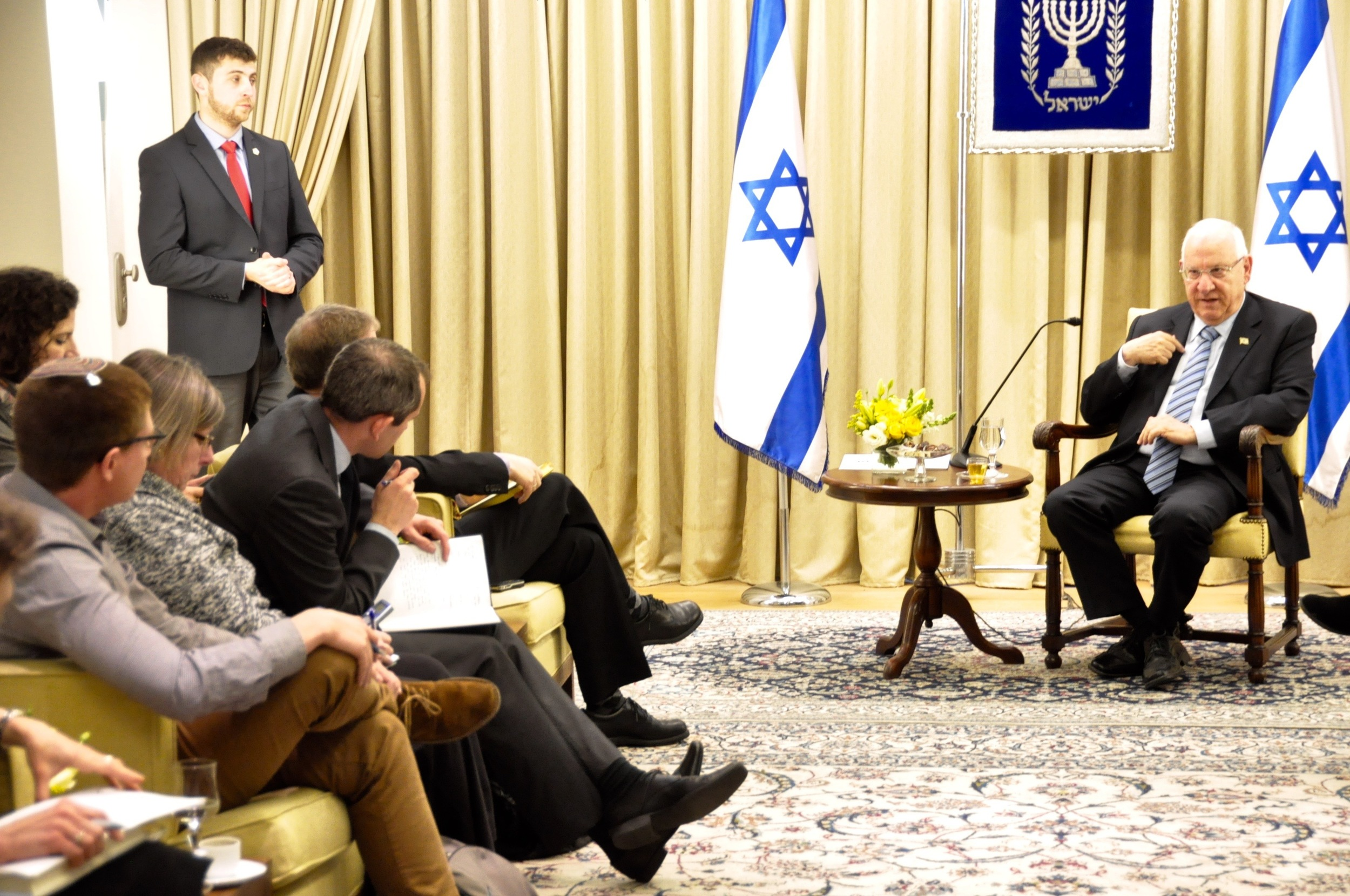 Click photo to download. Caption: Israeli President Reuven Rivlin speaks with English-language reporters ahead of his first Independence Day as president. Credit: Israeli President's Office.